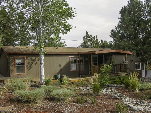 Great Tumalo Location One Lot Off The River on 0.4 Acres!