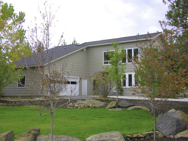 2900+ Square Foot Home + Guest Quarters/Casita on 1.9 Acres in Bend!