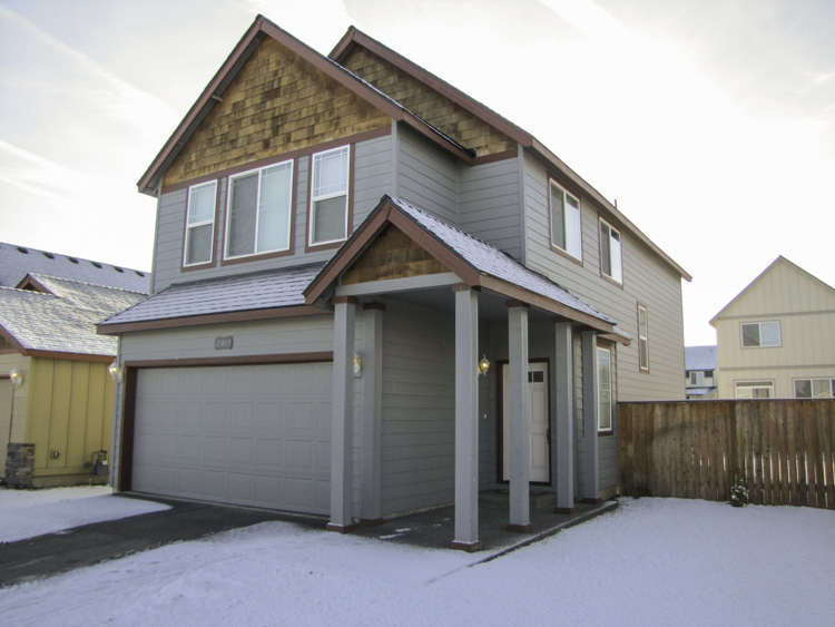 Well cared for 3 bedroom/2.5 bathroom single family home with great location in beautiful Bend.