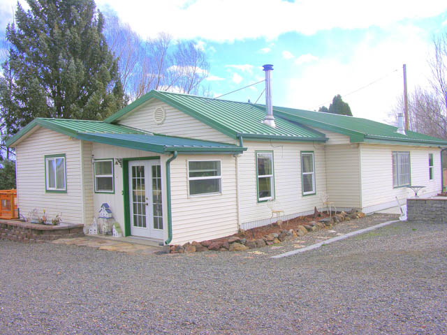 Home + Shop/Garage and 2 Acre Irrigated Pasture and Views!