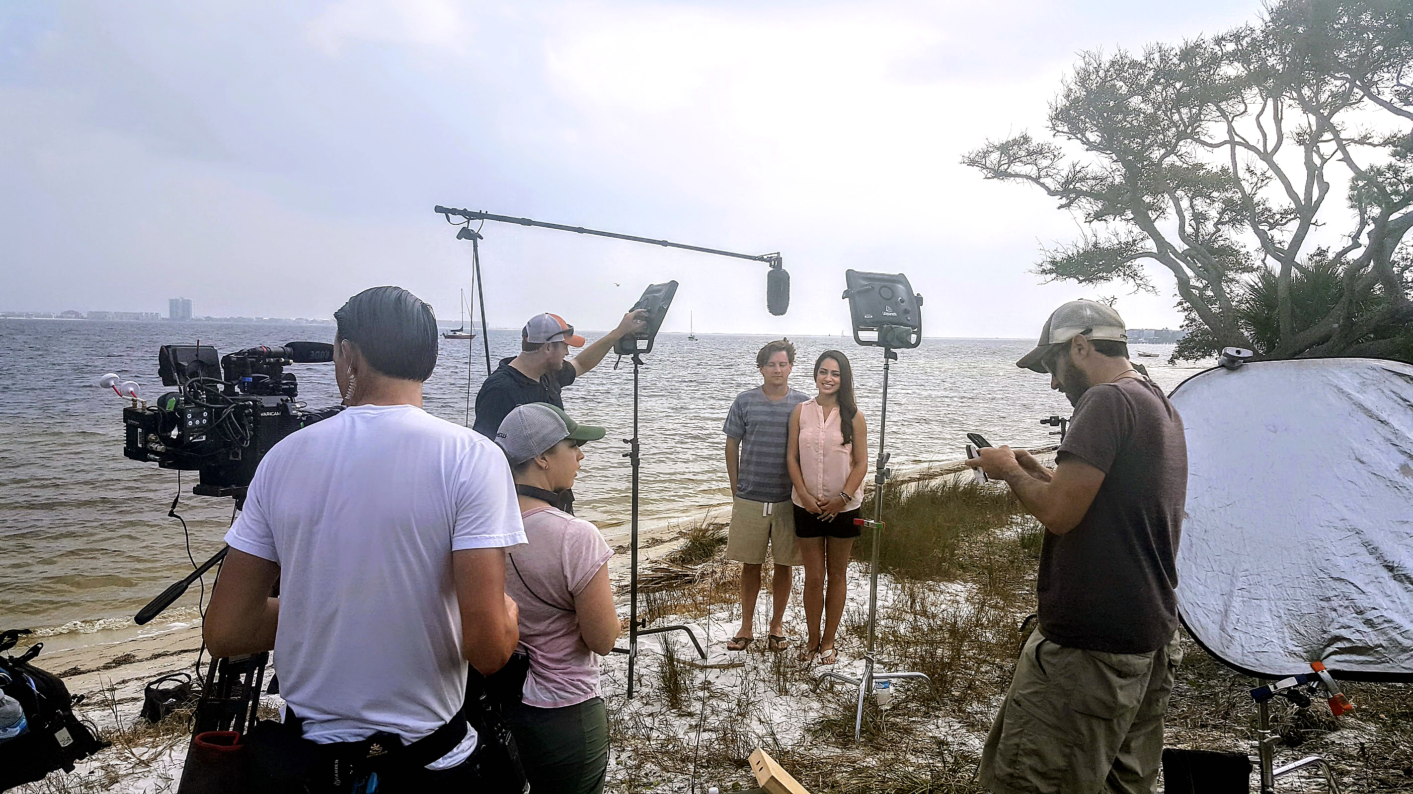 Hgtv teams up with levin rinke realty on beach hunters for Hgtv cast members