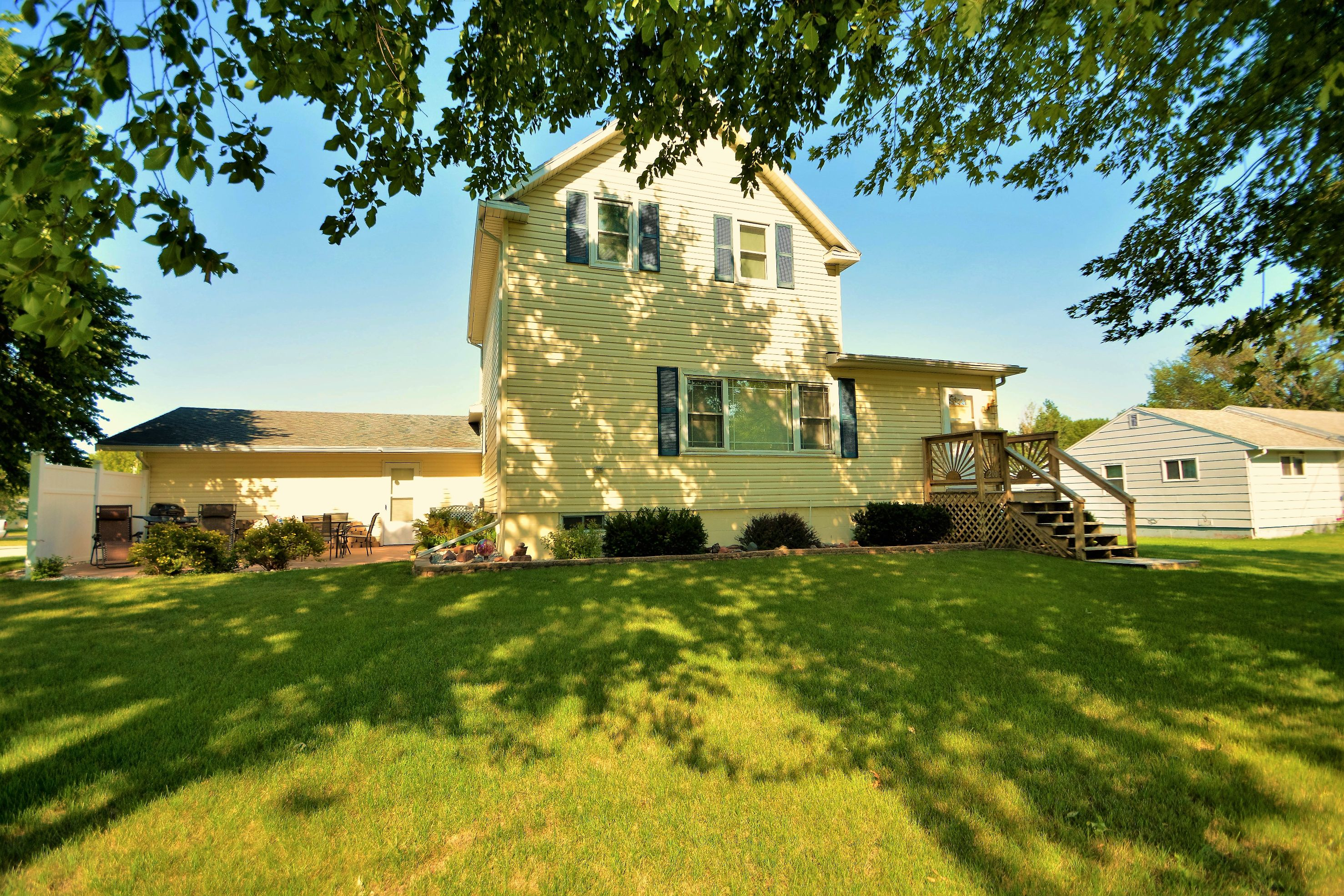 Home Of The Week Comfy Well Kept Home In Colfax Fargo Moorhead Real Estate Fm Team
