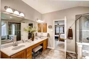 2505 Peterson Dr Cedar Park TX-small-019-19-2nd Floor Master Bathroom-666x444-72dpi