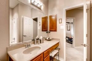 2505 Peterson Dr Cedar Park TX-small-023-27-2nd Floor Bathroom-666x444-72dpi