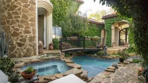 Spa-Pool-Courtyard