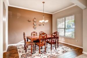 308 King Eider Lane Cedar Park-large-007-12-Dining Room-1500x1000-72dpi