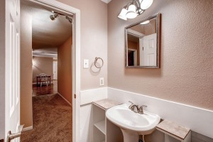 6806 La Salle Dr Austin TX-large-021-27-Bathroom-1500x1000-72dpi