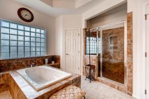 7703 Nez Perce Trce Manor TX-large-015-9-Master Bathroom-1500x1000-72dpi