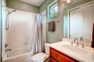 13604 Caldwell Dr 8 Austin TX-large-017-10-2nd Floor Bathroom-1500x1000-72dpi
