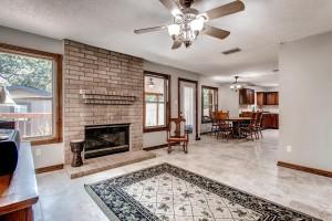 17513 Klamath Falls Drive-large-012-16-Family Room-1500x1000-72dpi