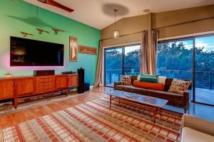 2305 Toro Canyon Austin TX-large-007-4-Living Room-1500x1000-72dpi