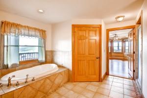 29802 Montana Ridge Pass-large-015-3-Master Bathroom-1500x1000-72dpi