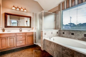 781 woodland drive Driftwood-large-012-11-Master Bathroom-1500x1000-72dpi