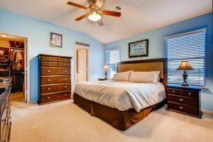 1812-darjeeling-drive-large-017-15-master-bedroom-1500x1000-72dpi