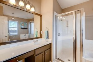 1812-darjeeling-drive-large-020-22-master-bathroom-1500x1000-72dpi