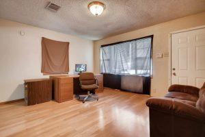 1710-dungan-ln-austin-tx-78754-large-007-6-living-room-1500x1000-72dpi
