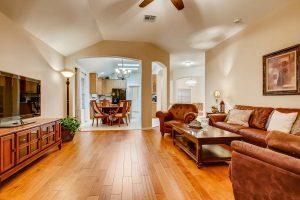 3017-plantation-drive-round-large-006-3-living-room-1500x1000-72dpi
