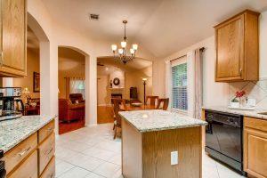 3017-plantation-drive-round-large-013-17-kitchen-1500x1000-72dpi