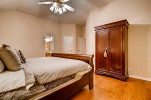 3017-plantation-drive-round-large-018-12-master-bedroom-1500x1000-72dpi