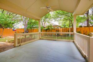 3017-plantation-drive-round-large-024-28-patio-1500x1000-72dpi
