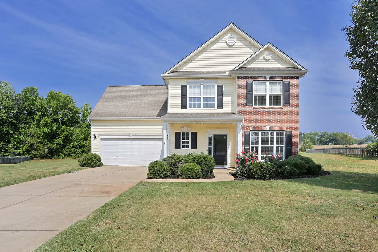 728 Golden Tanager Ct, Greer SC (1)