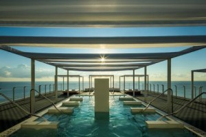 COMO Hydrotherapy Pool