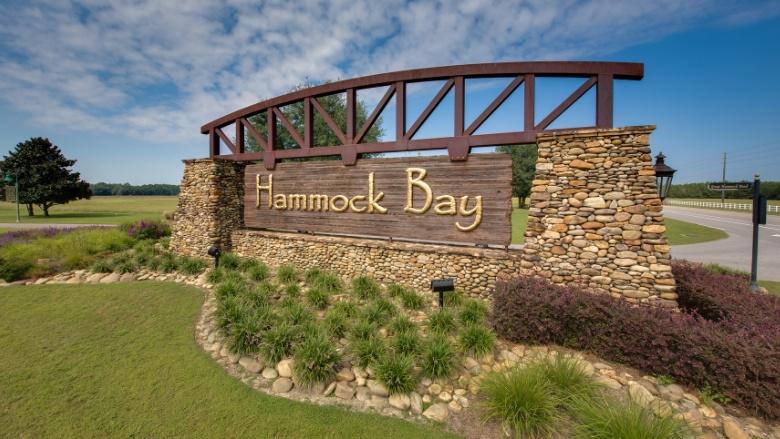 Hammock Bay Entrance Sign