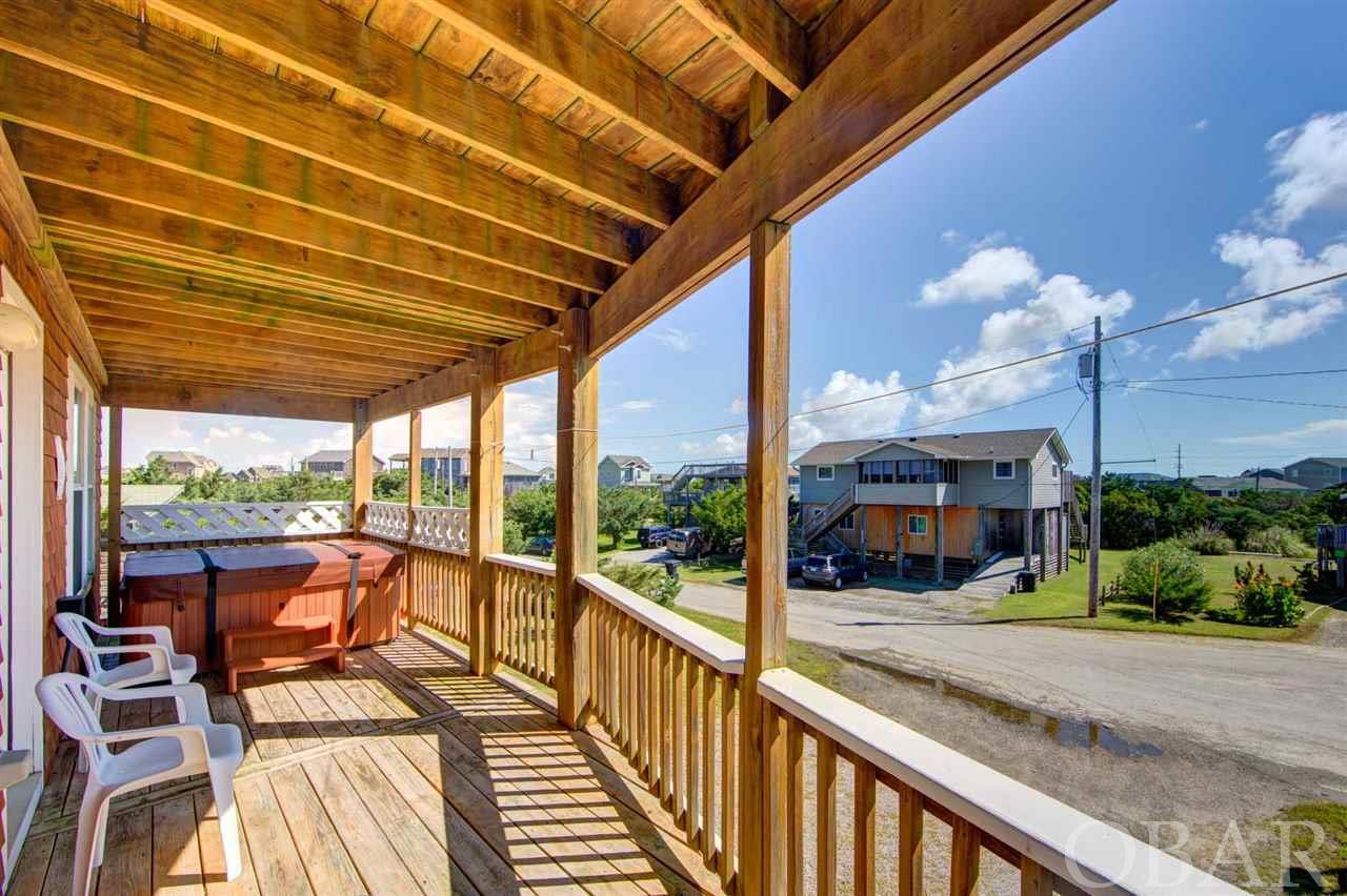 Porch with Hot Tub at Aloan at Last