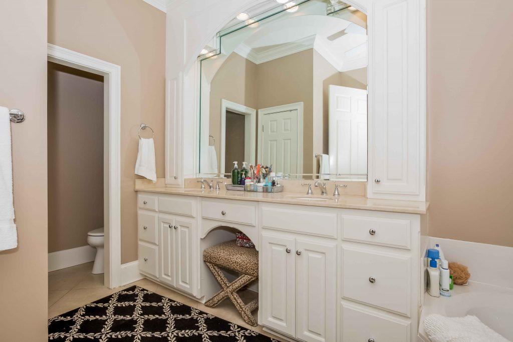 021-master_bathroom-1980229-large