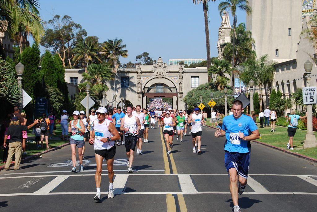 People running in a San Diego half marathon