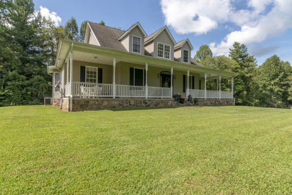 17575 Nordyke Rd for sale with Highlands Realty