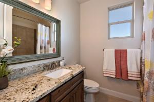 Bathroom_6818-2F
