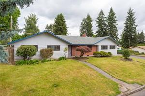 705 NE 108th St, Vancouver WA 98685
