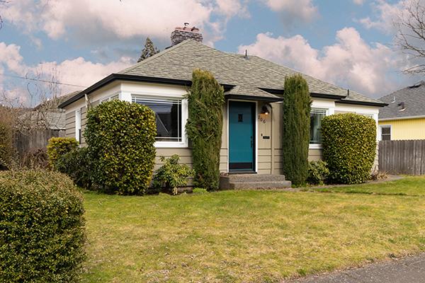 206 W 39th St, Vancouver, WA 98660