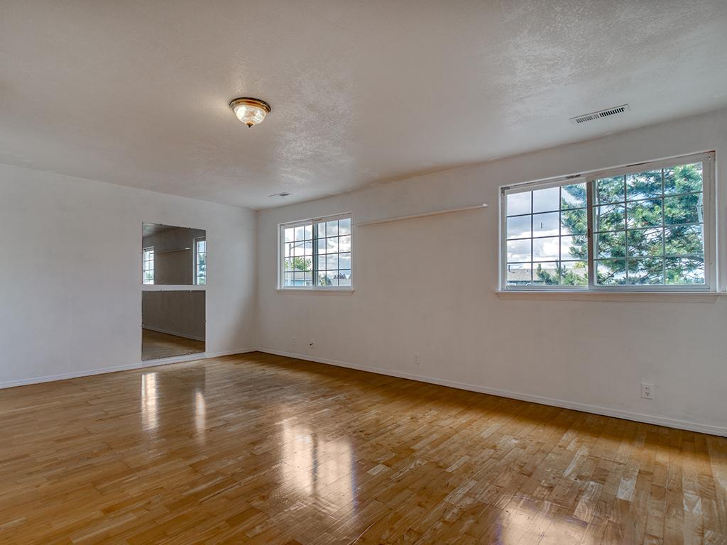 Upstairs bonus / fitness room - 13404 NE 93rd Cir, Vancouver, WA 98682