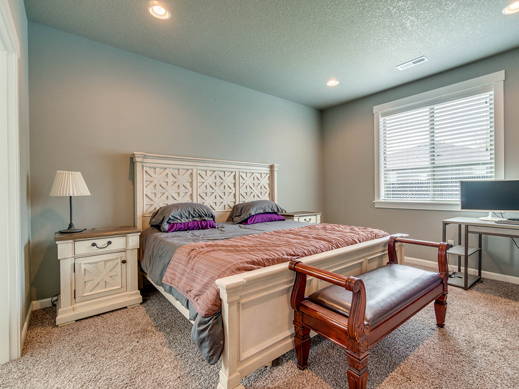 Primary bedroom suite - 153 Zephyr Dr, Silver Lake, WA 98645