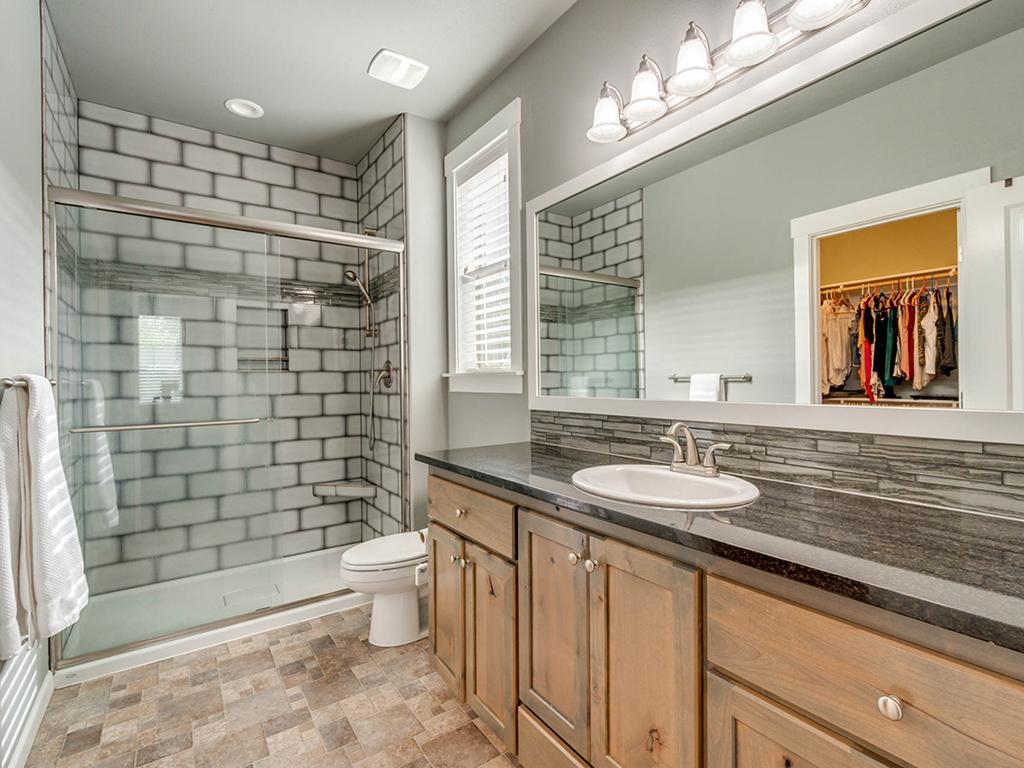 Primary bathroom - 153 Zephyr Dr, Silver Lake, WA 98645