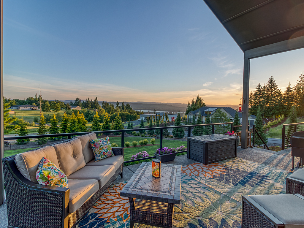 Amazing views from outdoor spaces - 307 Milky Way Dr, Woodland, WA 98674