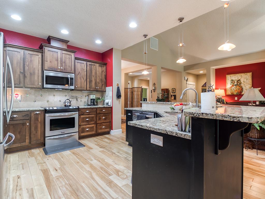Kitchen with island - 36806 NE Holling Ave, La Center WA 98629