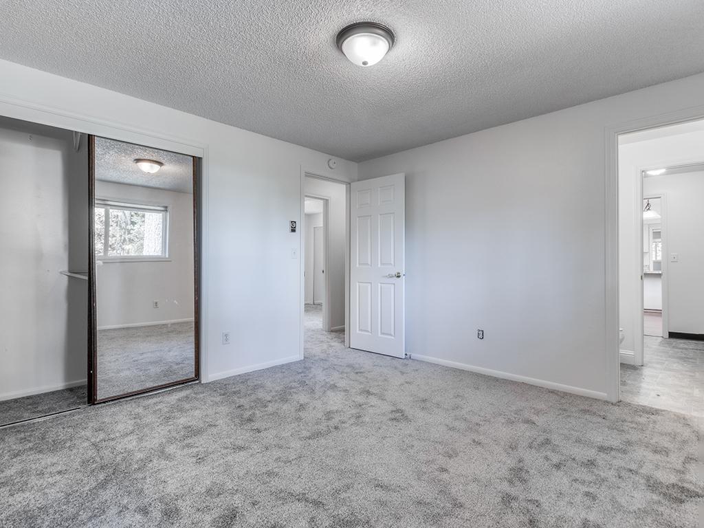 Primary bedroom - 9902 NE 61st St, Vancouver, WA 98662