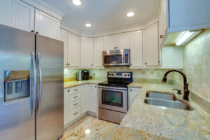 Light and Bright Kitchen with Recessed lighting