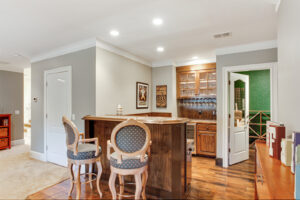 Full wet bar and temperature controlled wine room