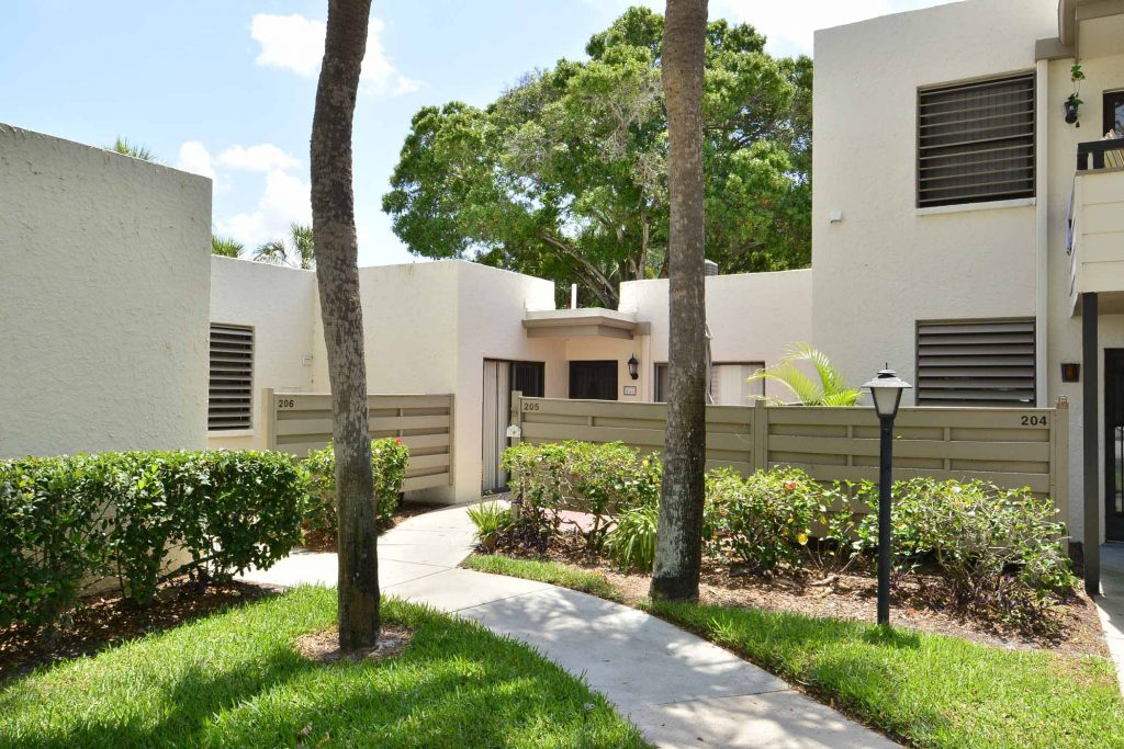 3 great properties available for under 200k for Two story homes under 200k