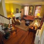 125 Smith Street living room