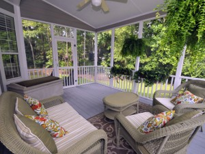 Screen porch at 1325 Wynbrook Trace