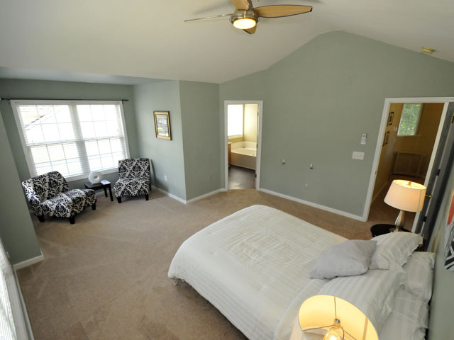 1405 Water Edge Drive master bedroom