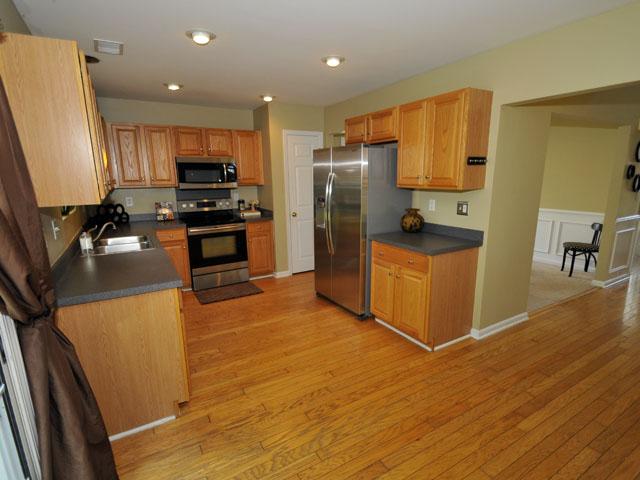 1405 Water Edge Drive kitchen