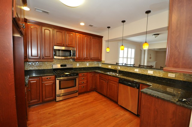 131 Darlington Ave kitchen