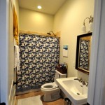 85-6 Cumberland bathroom