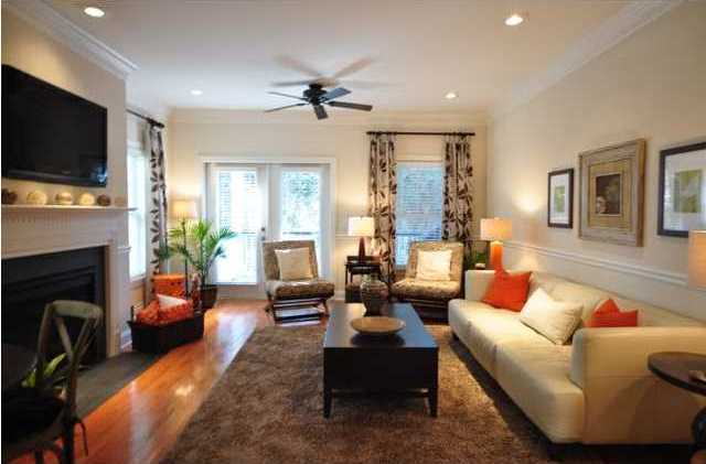 108 Howard Mary Street living room